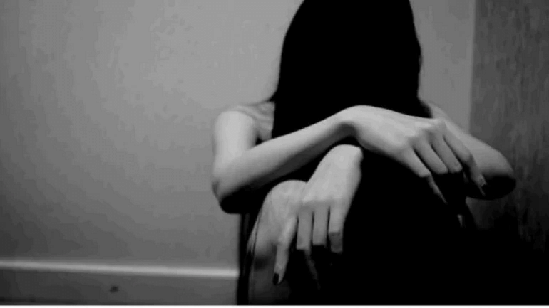 Gujarat: 19 year old Dalit woman, gangraped, murdered, found hanging from a tree