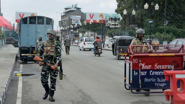 Kashmir: Glitches mar SMS service on 1st day of restoration