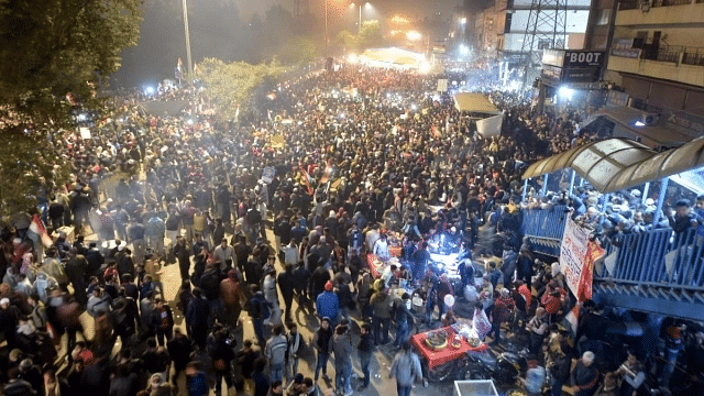 WATCH: Massive gathering to protest CAA at Delhi's Shaheen Bagh, Keertan and Hawan held