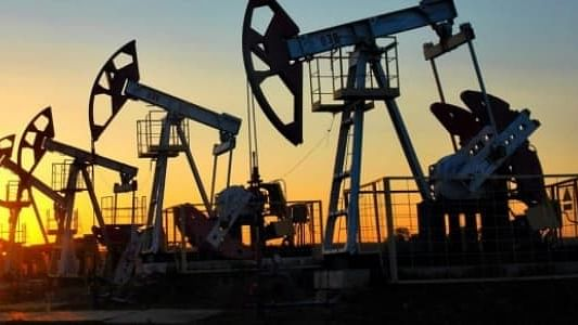 Oil prices soar more than 4% after Iranian general killed