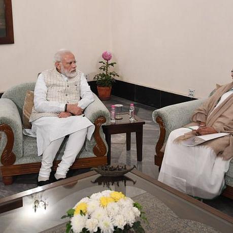 PM Modi with West Bengal CM Mamata Banerjee (File Photo: PIB).