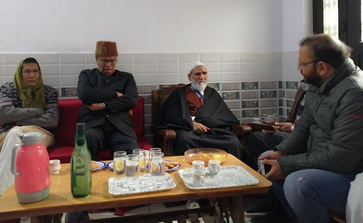 Maulana Asad Raza Hussaini, Principal of Saadat Madarsa (third from left)