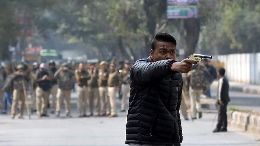 WATCH: Man fires at protesters in Jamia area of Delhi,  shouts 'who wants Azadi', one injured