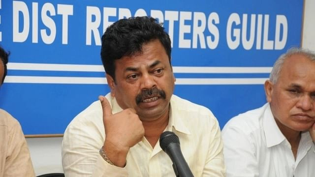 Muslims collect weapons in mosques instead of praying, says Karnataka BJP leader Renukacharya at pro-CAA rally