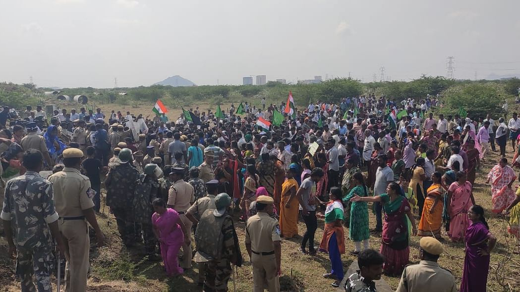 Protestors almost reach Andhra Pradesh legislature complex opposing move to shift capital Amaravati