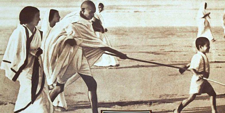Gandhi and Hinduism: A cheat sheet for  high on Hindutva trolls
