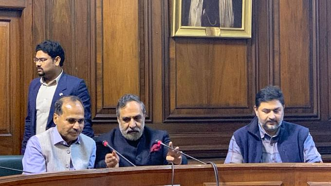 Parliament LIVE Updates: PM's criticism not anti-national, Rahul's right to  question should be restored: Cong