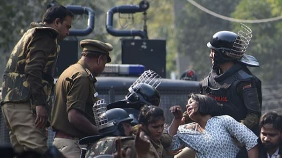 Male constables of Delhi Police hit and stomped on them, complain Jamia women in hospital