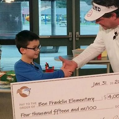Boy pays off lunch debt for his entire school in Washington, guess how!