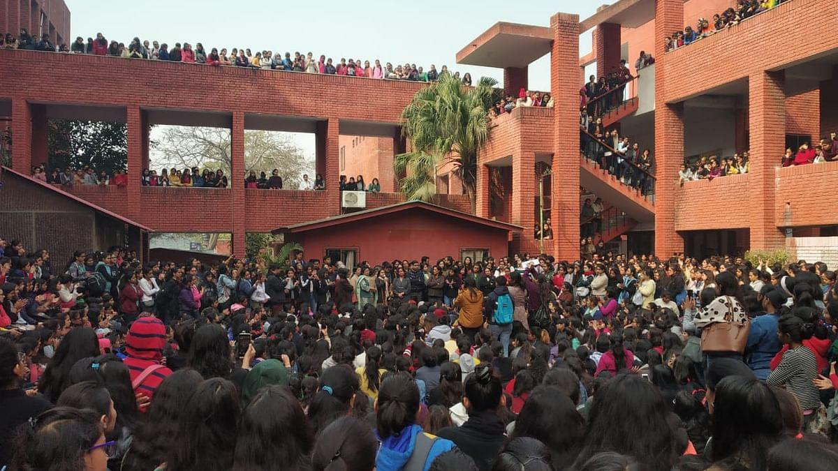 10 arrested in Gargi College molestation case