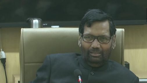 After fake news of new ration card, consumer affairs minister Ram Vilas Paswan clarifies