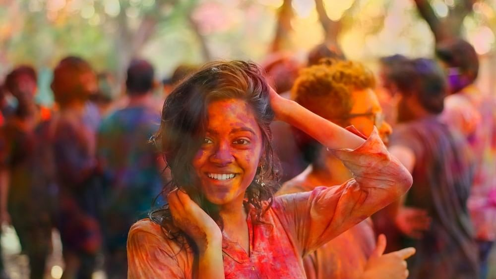 Holi an excuse for vulgarity in our Cinema