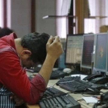 Budget Effect: Sensex plummets 987 points to end at 39,735; Nifty sinks over 300 points