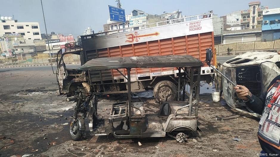 Modi appeals for calm Delhi riots