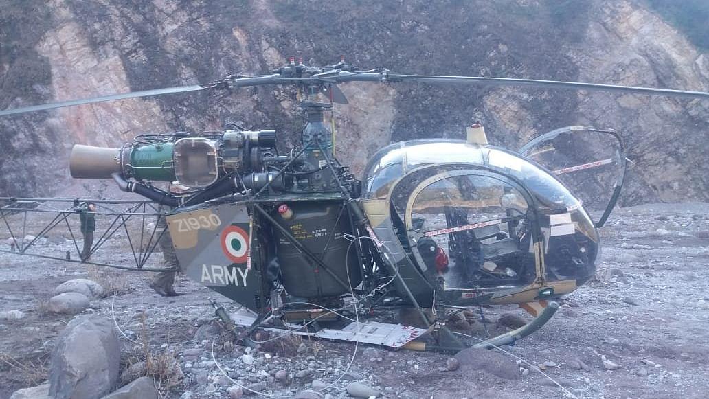 Indian Army helicopter crashlands in J&K, pilots safe