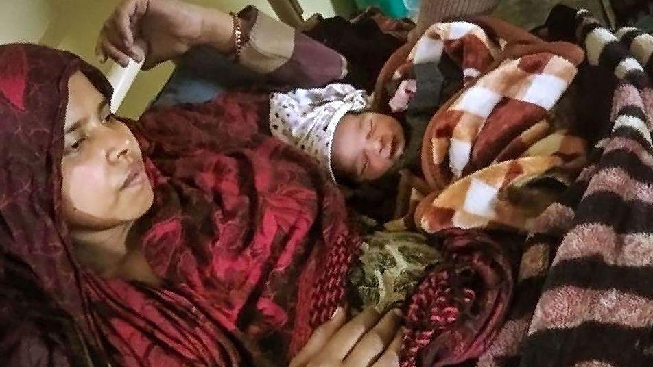 """Shabana Parveen with """"miracle baby"""" (Photo courtesy- social media)"""