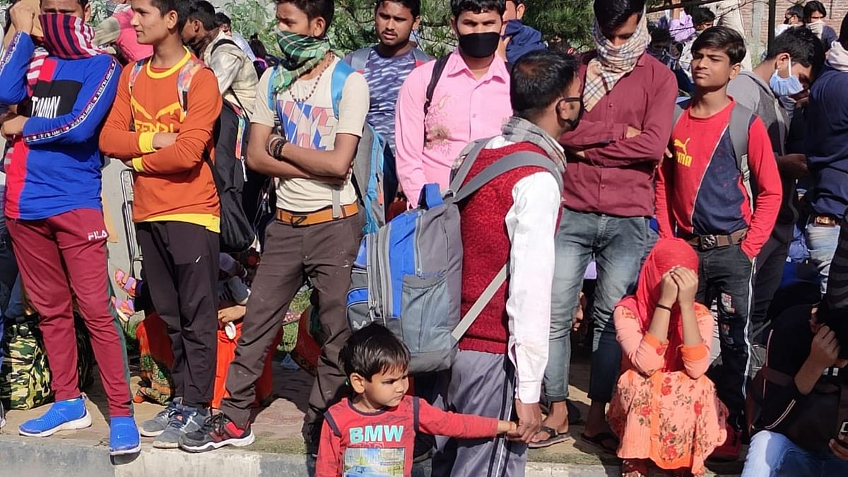 Delhi : Migrants in distress, 65 % haven't received a meal, rations, says CPM Survey