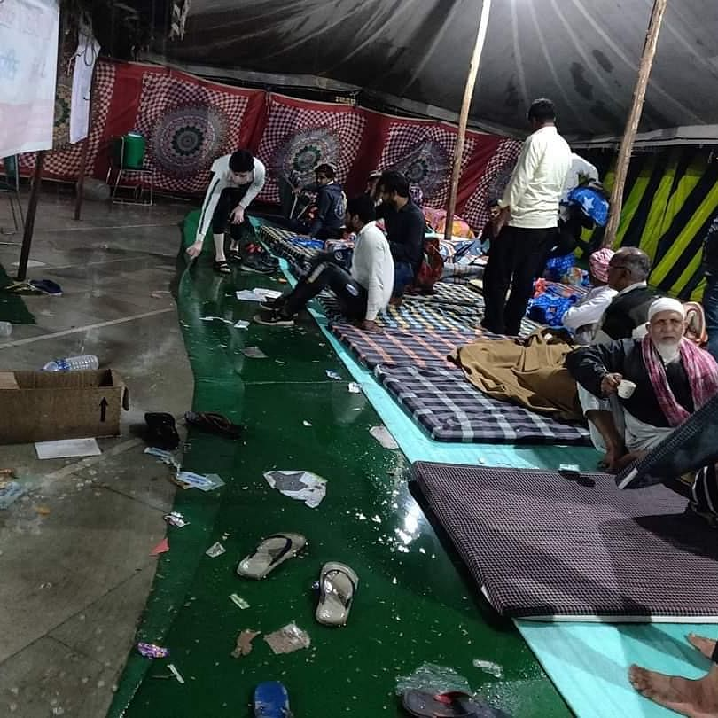 Relief camp in Mustafabad