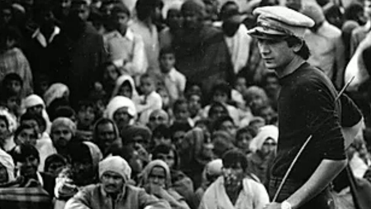 Safdar Hashmi springs to life in 'Halla Bol'