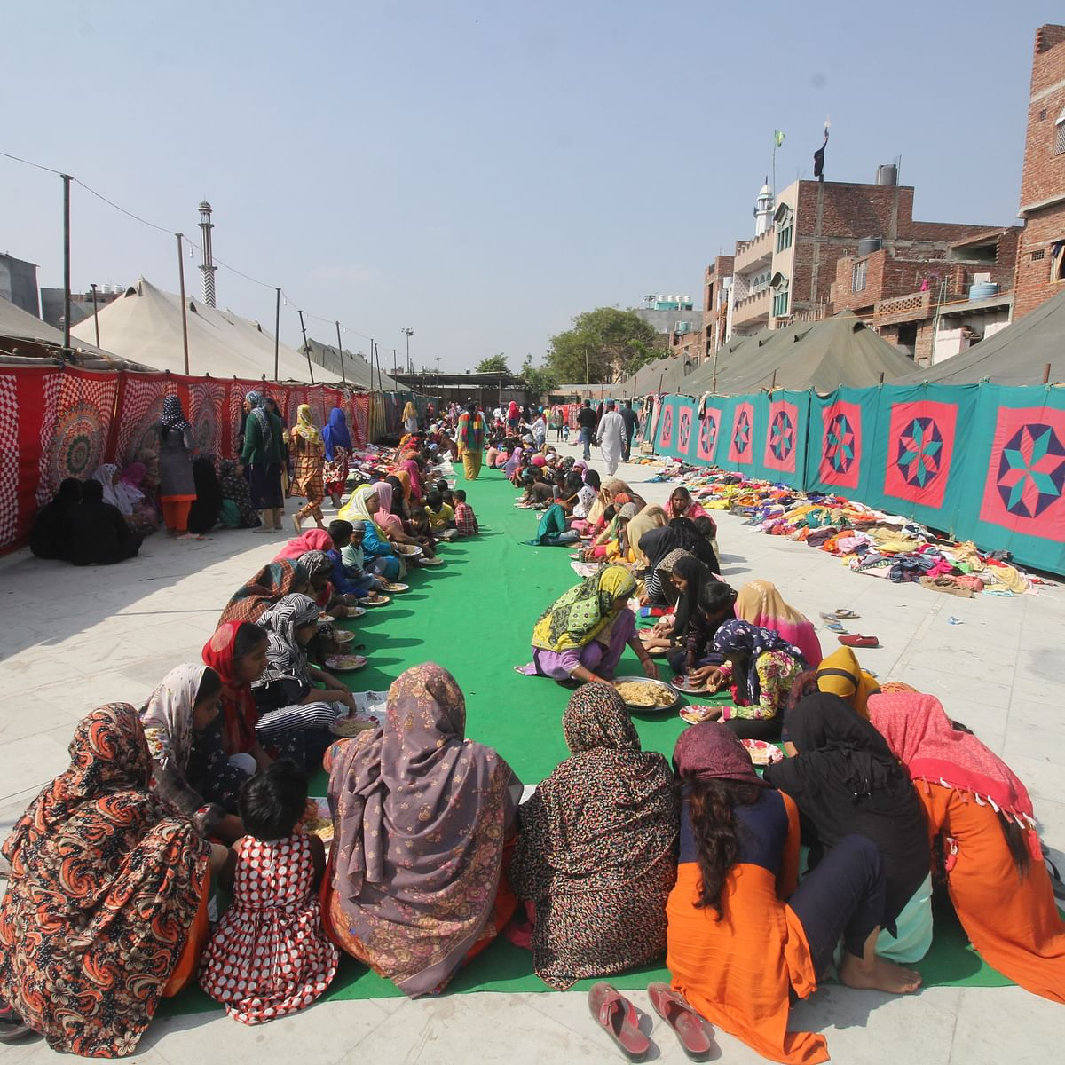 Delhi pogrom: First relief camp set up in Mustafabad woefully inadequate; no govt role except providing tents