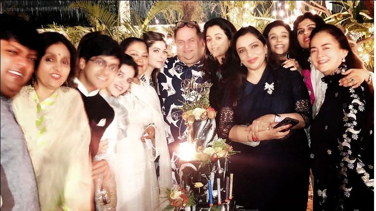 Kanika Kapoor with many other celebrities and politicians in a party in Lucknow (Photo Courtesy: Twitter)