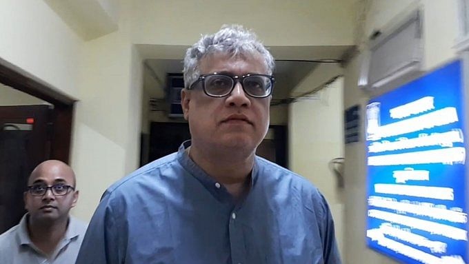 Derek O' Brien gives speech from Parliament corridor; demands discussion on Delhi violence