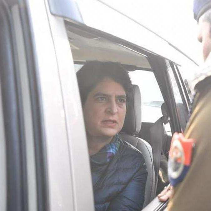 Rahul, Priyanka Gandhi stopped by UP police from entering Meerut