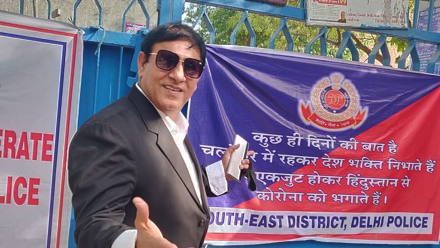 Delhi magician working with Delhi Police to raise COVID-19 awareness recounts rags-to-riches tale
