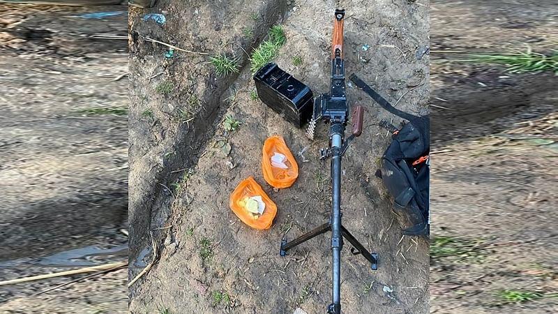 Militants flee Kulgam home, leave machine gun & IED material behind