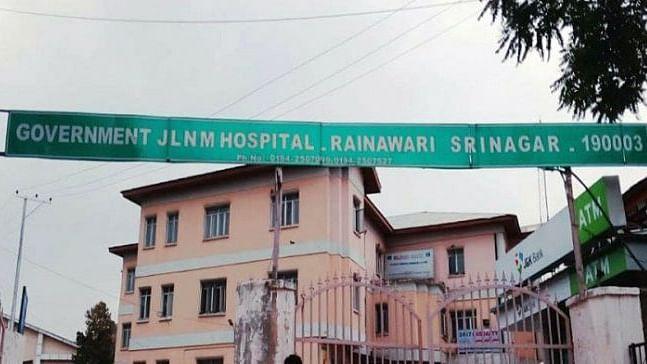 How Kashmir's female docs, nurses fight valiantly against COVID-19