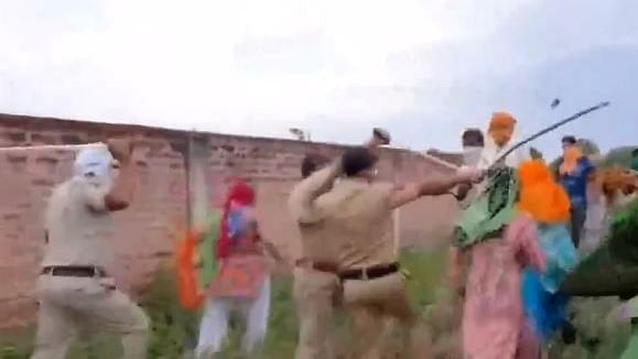 Haryana residents throw stones at police and doctors, protest against cremation of COVID-19 suspect