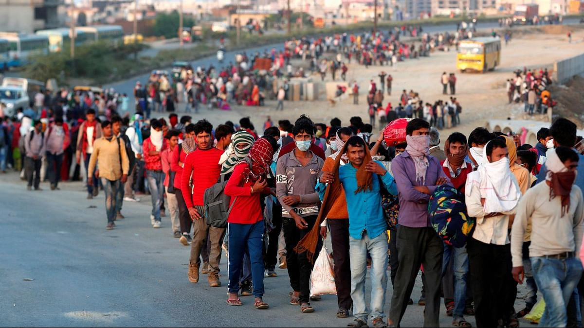 Centre restricts migrant workers inter-state travel, asks to register for jobs