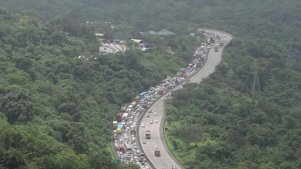 Mumbai-Pune Expressway traffic to speed up as old bridge razed