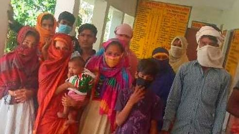 Uttar Pradesh: 15 people quarantined in a village without food and water