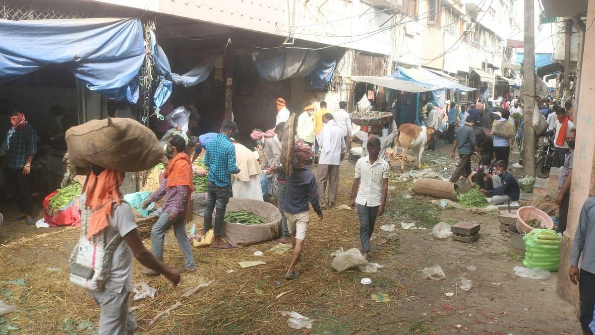 Odd-Even scheme at Azadpur mandi on the brink of failure