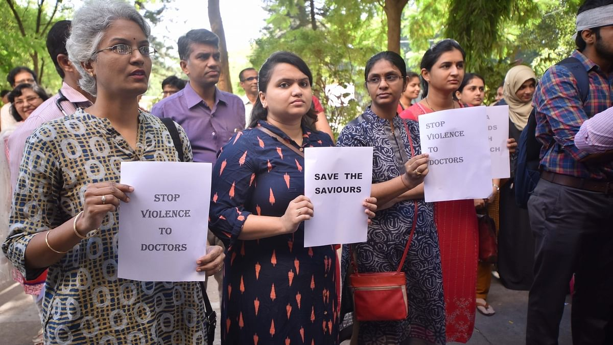 Two women resident doctors assaulted by man for 'spreading' COVID-19