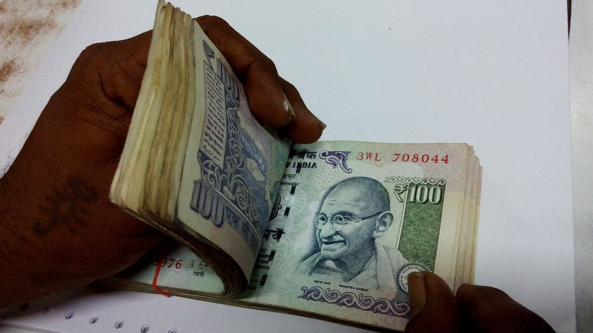 36% companies in India mull salary freeze: Report