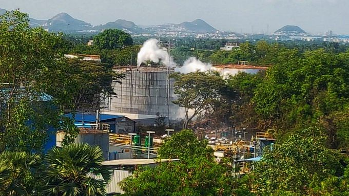 Vizag gas leak: SC asks AP HC to expedite firm's plea for access to plant, restrains disbursal of Rs 50 cr