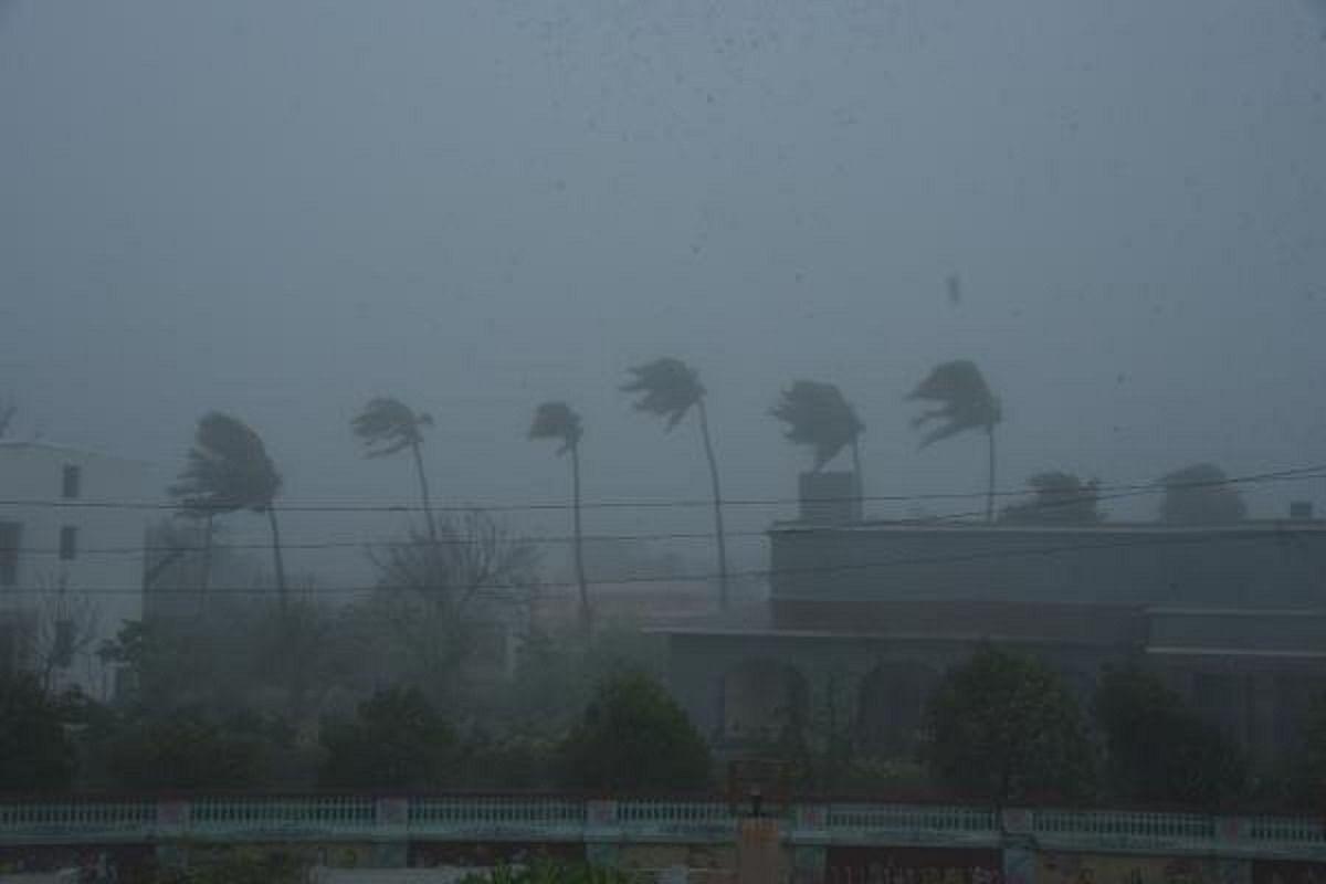 Cyclone alert for West Bengal, Bangladesh coasts