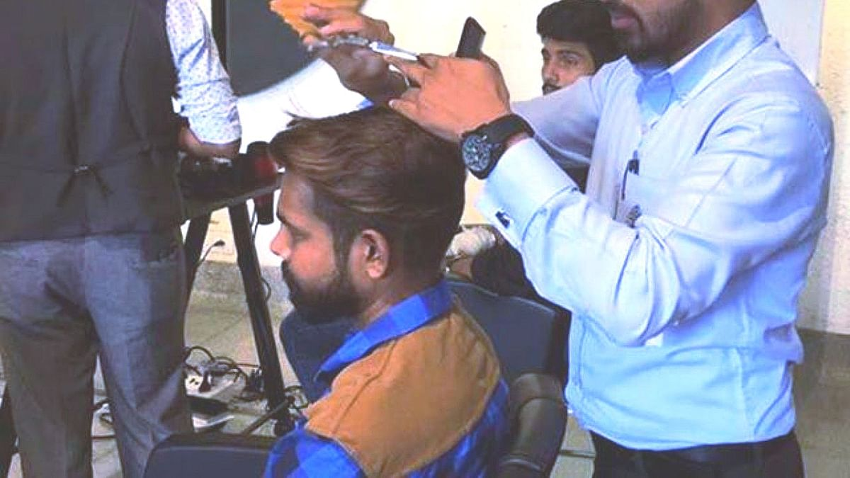 People throng barber shops in Bengaluru after 57 days lockdown