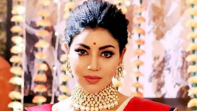 Debina recalls how her mother stitched Kajol's 'Baazigar' outfit for her