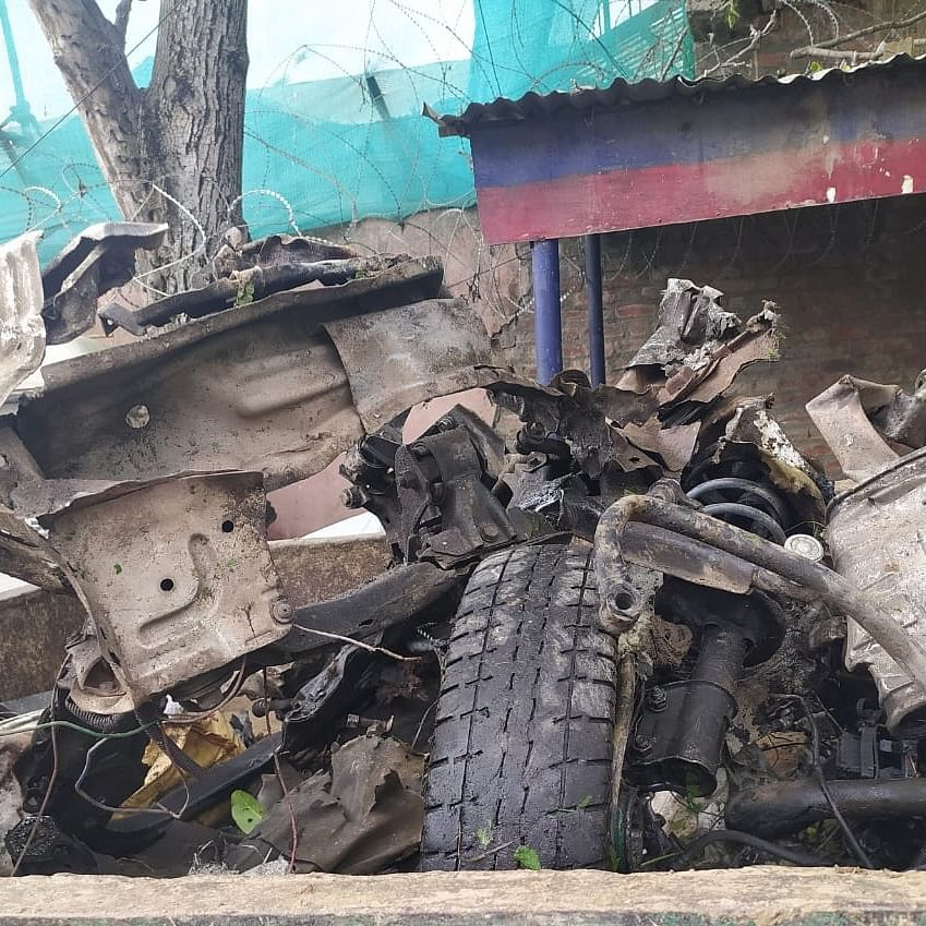 LIVE News Updates: Pulwama police averts major incident of a vehicle-borne IED blast