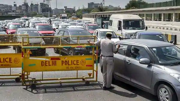 Chaos at Delhi-Gurugram border after state seals borders with national capital
