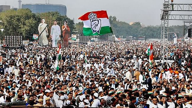 Give Rs.10,000 to poor: 50 lakh Congress workers to demand direct cash transfer on Facebook on Thursday