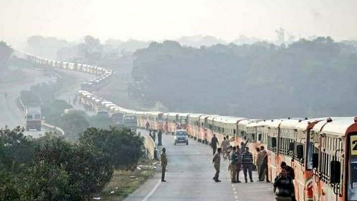 After Yogi govt's dilly dallying tactics, buses to reach Noida, Ghaziabad by 5 pm, Congress tells state govt