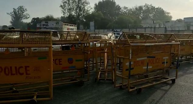 As a cautious to prevent the spread of COVID-19<b>, </b>Haryana government sealed its border with Delhi