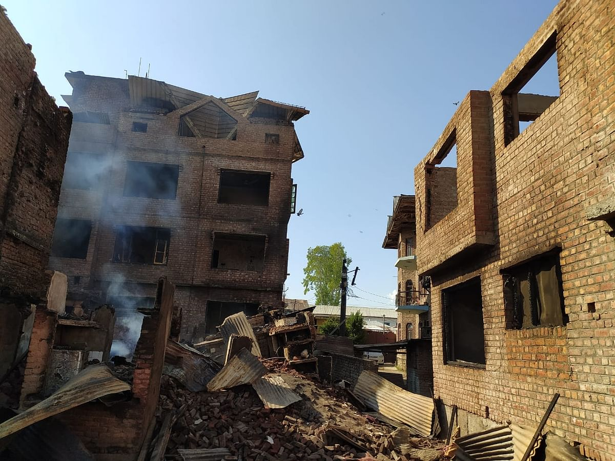 Srinagar gun battle leads to 19 poor families losing the roof over their head
