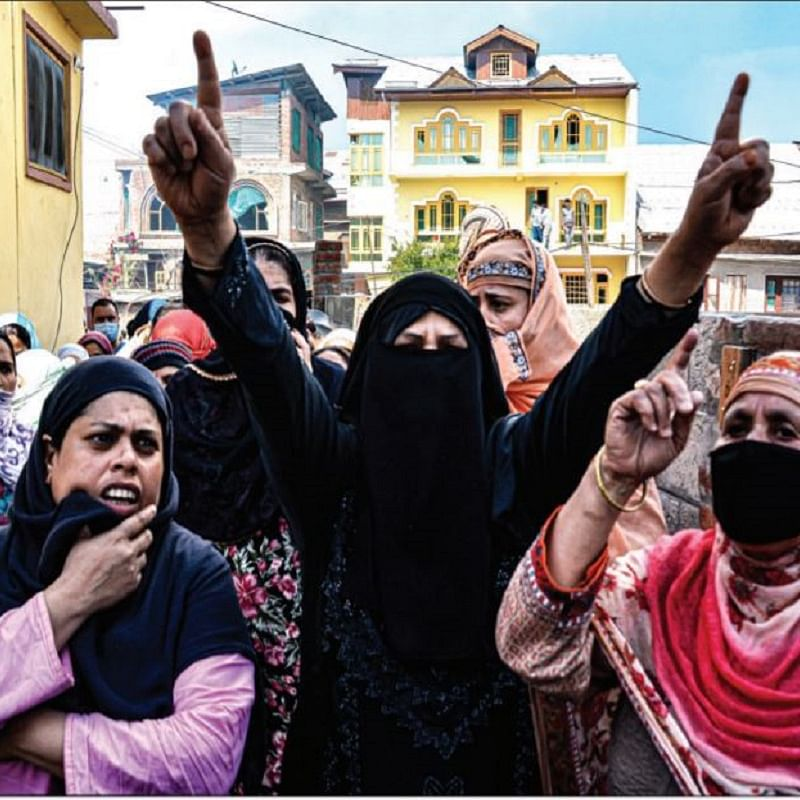 Women protesting at Nawakadal after security forces blew up their houses last week