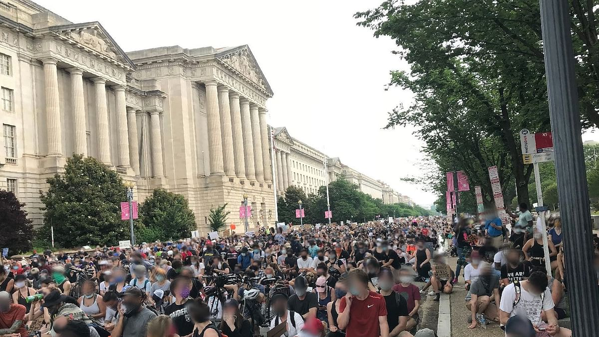 Thousands of protesters march to Washington DC