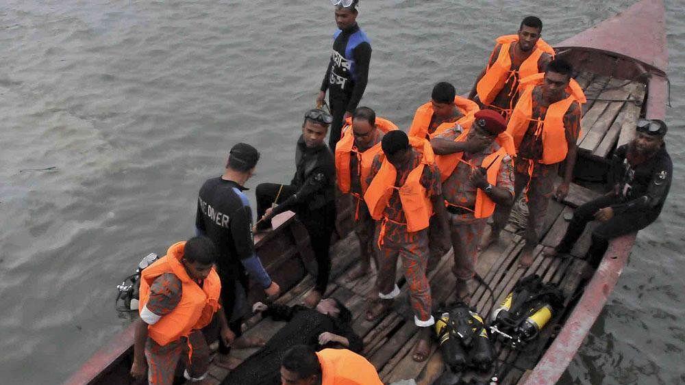 30 killed in Bangladesh boat capsize